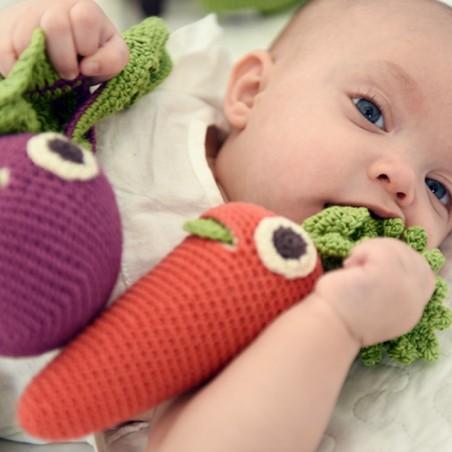 Myum - Veggie Toys - Hochet Charlotte la carotte - Bio & Vegan - Select store éthique Cosmétiques Vegans