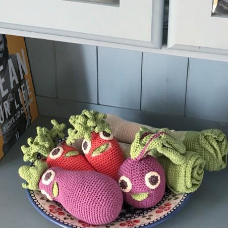 Myum - Veggie Toys - Hochet Betty la betterave - Bio & Vegan - Select store éthique Cosmétiques Vegans